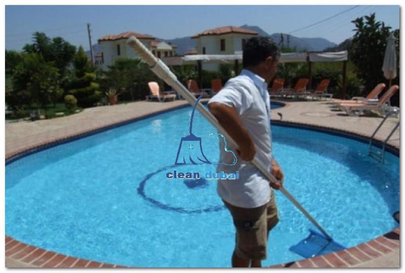 تنظيف مسابح في ابوظبي